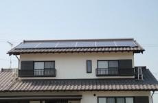 t様邸太陽光発電設備